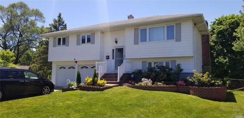 Photo of 24 Yukon Ct, Brentwood, NY 11717