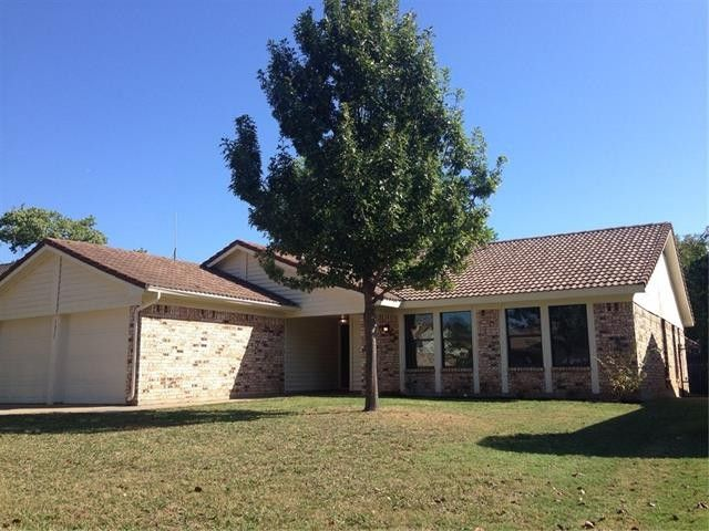 7317 Meadow Creek Dr Fort Worth, TX 76133