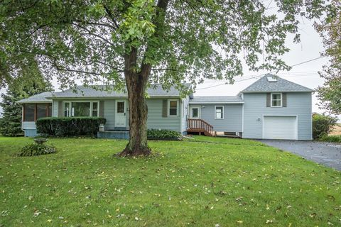 5899 W Clare Rd, Clare, IL 60111