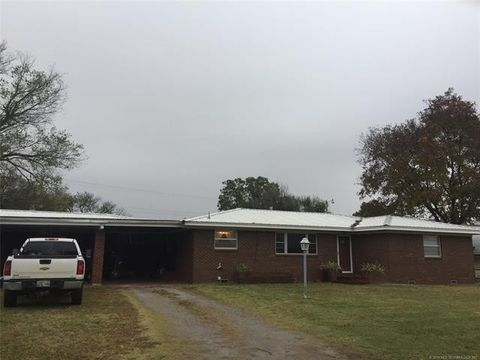 Photo of 1432 E Oak St, Cushing, OK 74023