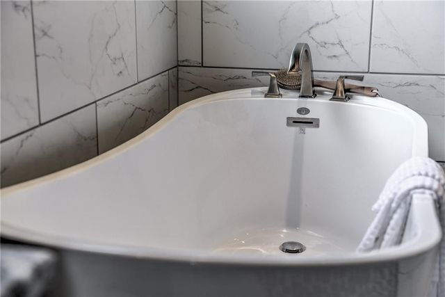 Bathroom Sinks Edmond Ok 5125 keystone cir, edmond, ok 73025 - realtor®