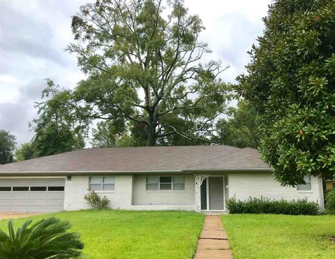 Photo of 3460 Brentwood Dr, Beaumont, TX 77706