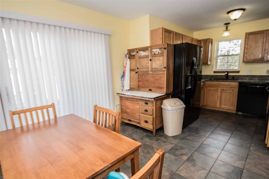 mobile homes for sale davenport iowa with 6412 Jebens Ave Davenport Ia 52806 M74829 97404 on 2145880446 likewise 68866 furthermore Houses Woodland Hills Kentucky as well 34453 further 94588.