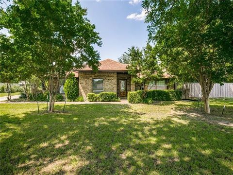 Photo of 1935 E Brown St, Wylie, TX 75098
