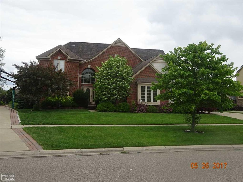 56122 Lancewood Dr Shelby Township MI 48316