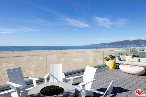 Photo Of 1347 Palisades Beach Rd Santa Monica Ca 90401
