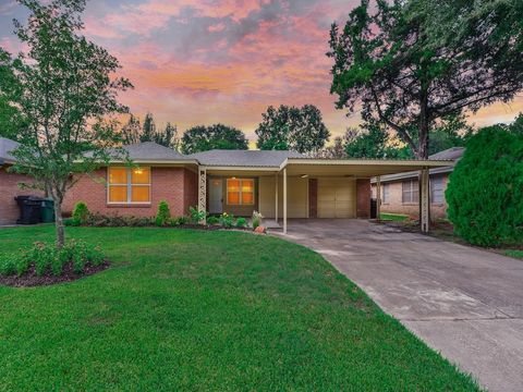 5005 W 43rd St, Houston, TX 77092