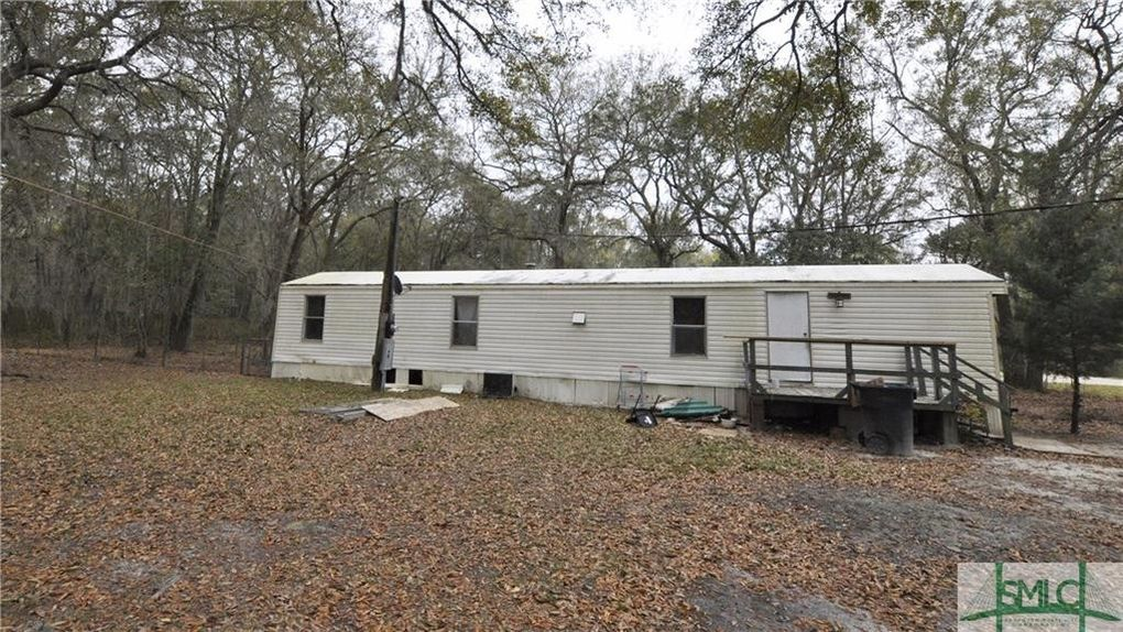 81 Marie Ave, Midway, GA 31320