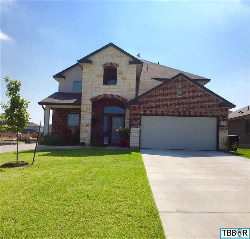 Temple Texas Traditional Home: 6005 Stonehaven Dr, Temple, TX 76502