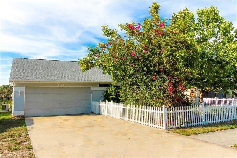 2937 Lockwood Meadows Blvd, Sarasota, FL 34234
