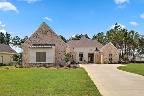 Photo of 142 Carrington Dr, Madison, MS 39110