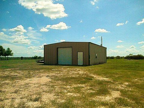 7403 Falcon Dr, Brookshire, TX 77423