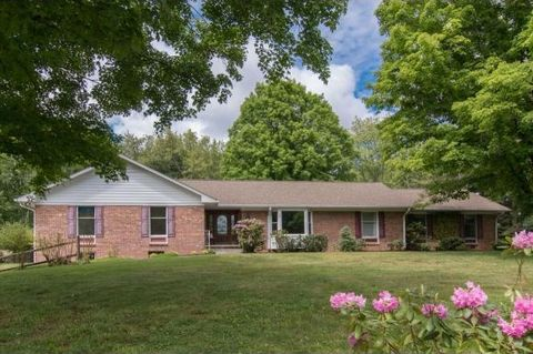 Photo of 145 Maxwell Dr, Bristol, TN 37620