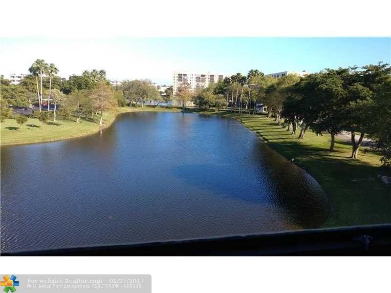 2311 S Cypress Bend Dr Apt 419 Pompano Beach, FL 33069