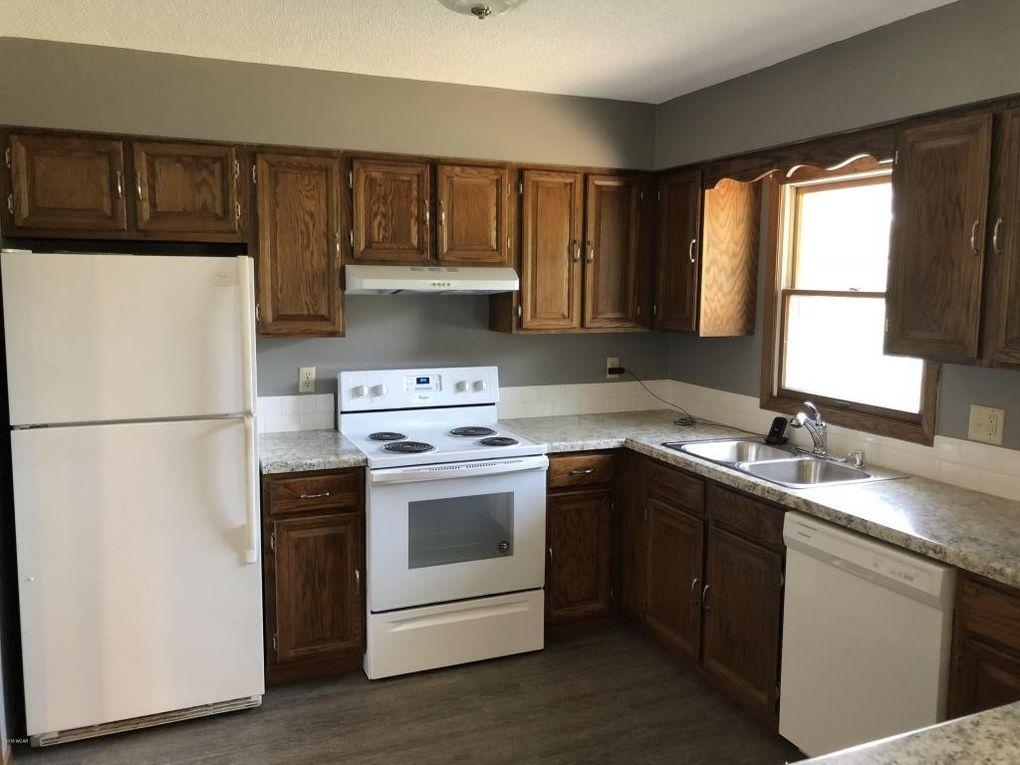 405 Dakota Ave Nw, Pennock, MN 56279 - realtor.com®