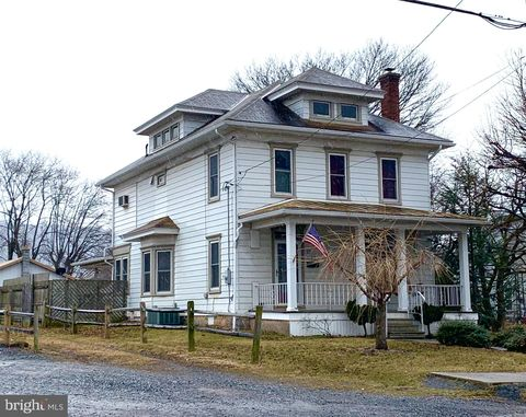 Photo of 1123 W Main St, Valley View, PA 17983
