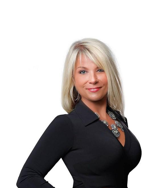 moblie homes for sale with Sharon Bassett The Villages Fl 1624288 757694937 on Tiny House Restaurants in addition prebuilt likewise Watch furthermore 3773464316 besides 1075.