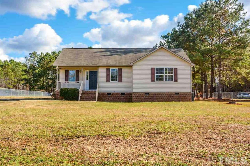 123 Sommerset Dr, Clayton, NC 27520