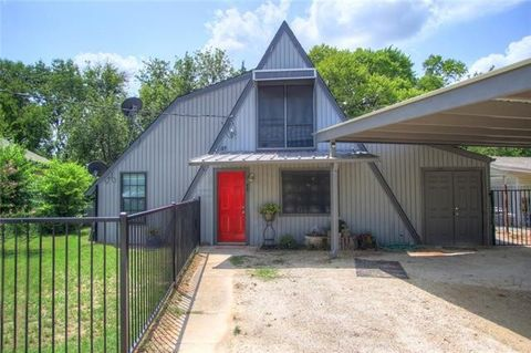 48 Park Ln, Gainesville, TX 76240