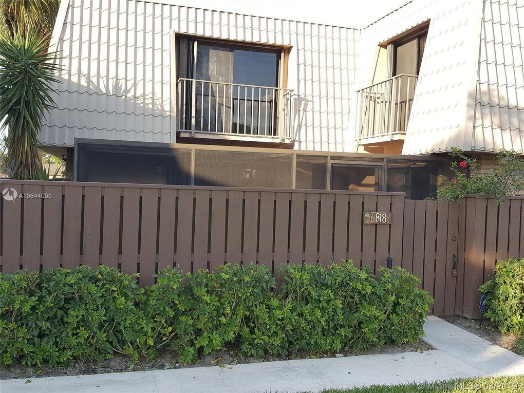 6818 68th Way West Palm Beach, FL 33409