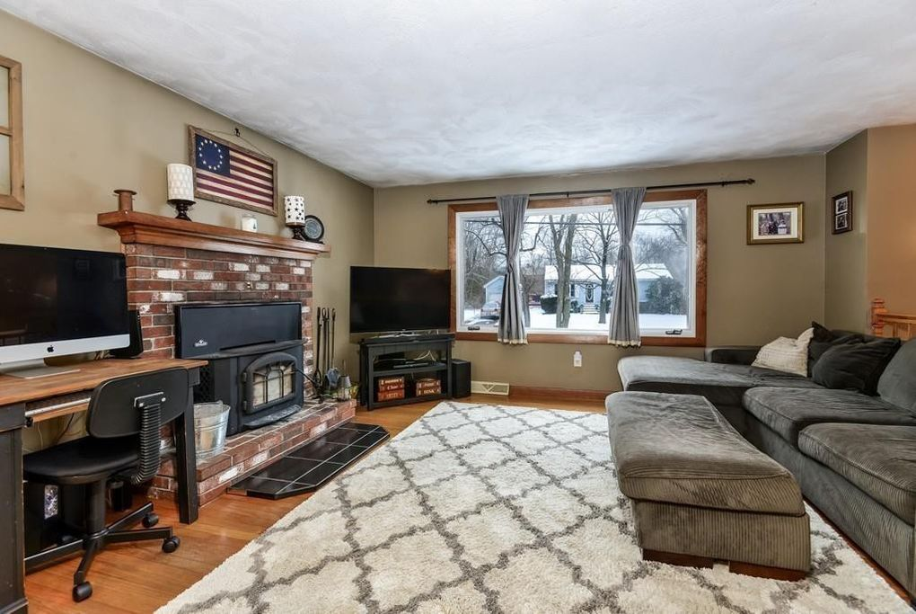 39 Paine Rd, North Attleboro, MA 02760