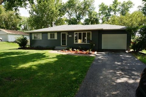1701 Lincoln St, Gowrie, IA 50543