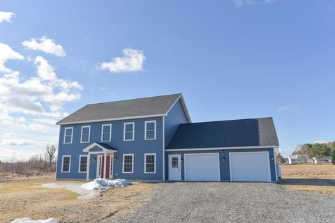 Photo of 40 Royale Dr, Sidney, ME 04330