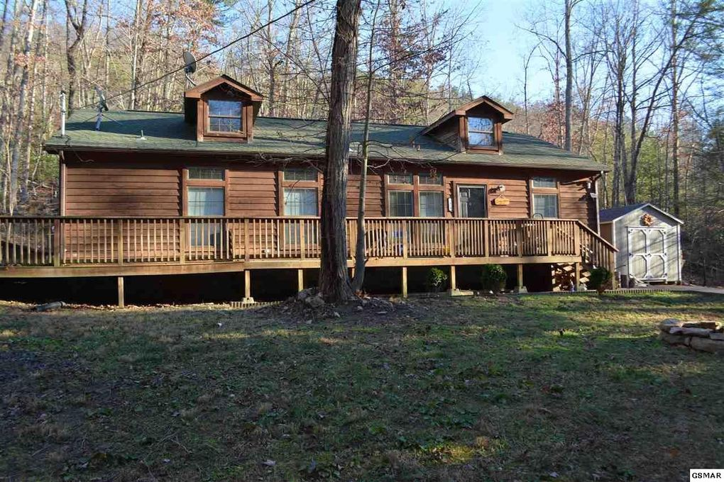 homes for log property tn cabins picture sevierville gatlinburg cabin and investment forge estate sale chalets pigeon real