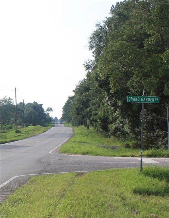 3065 Octavia Dr, Grand Bay, AL 36541
