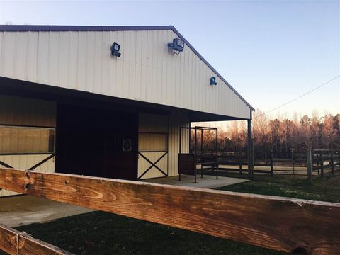 3000 Owens Rd, Terry, MS 39170
