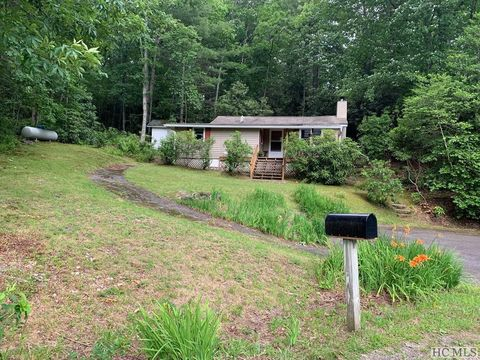 Photo of 1939 Flat Mountain Rd, Highlands, NC 28741