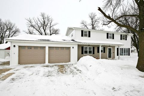 Photo of 450 3rd St W, Hector, MN 55342