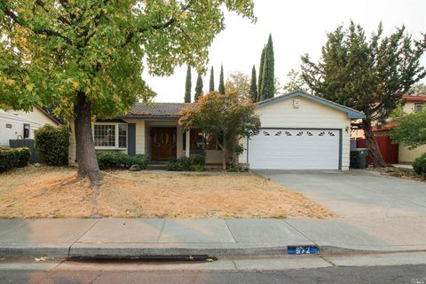 Photo of 572 Fruitvale Rd, Vacaville, CA 95688