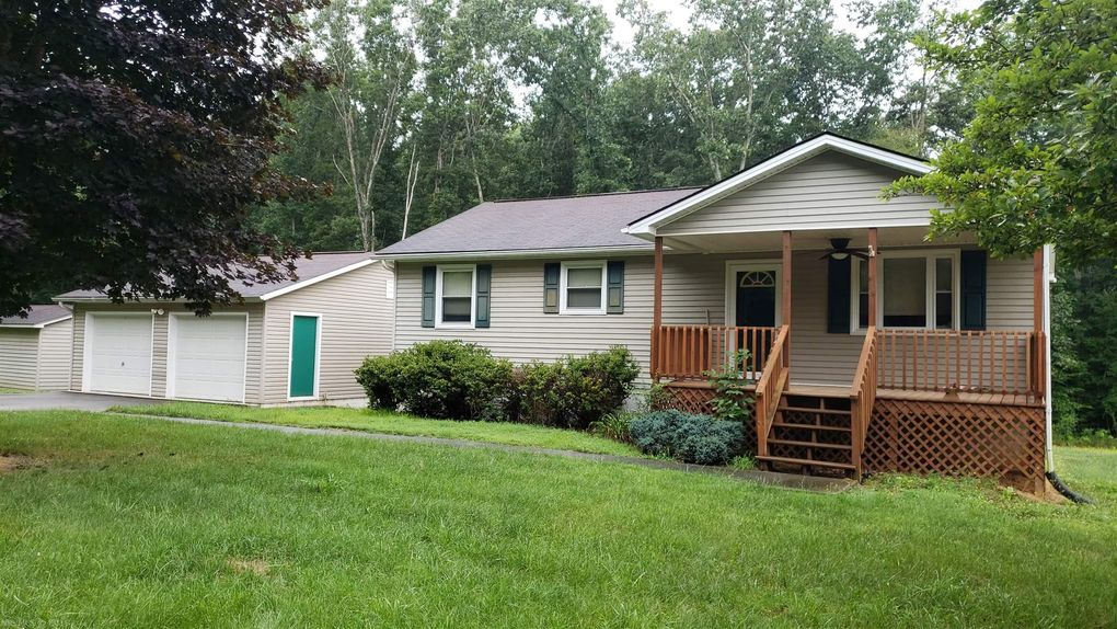 280 Holly Ridge Rd, Forest Hill, WV 24935