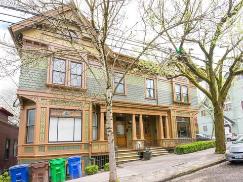 Photo of 2740 Sw 2nd Ave, Portland, OR 97201