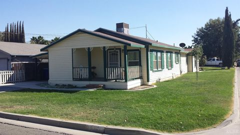 937 Stanley Ave, Corcoran, CA 93212