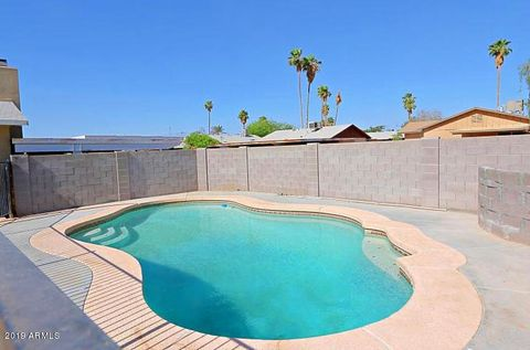Phoenix, AZ Houses for Sale with Swimming Pool - realtor.com®