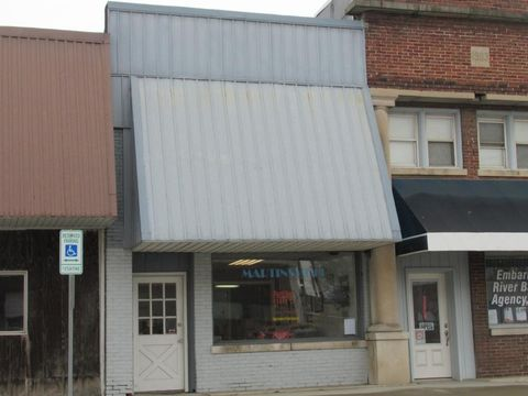 Photo of 14 W Cumberland St, Martinsville, IL 62442