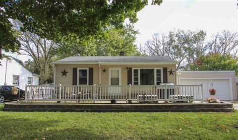 Photo of 202 1st St, Washburn, IA 50702