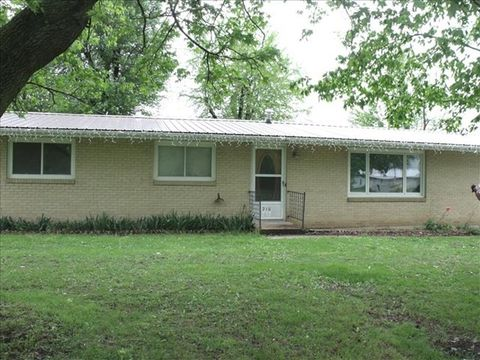210 Willow, Clarence, MO 63467
