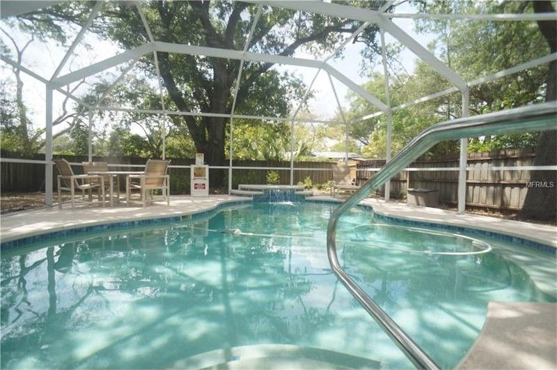 206 N Beverly Ave Units 1 & 2, Tampa, FL 33609