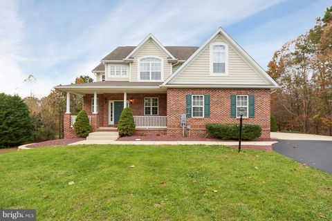 Photo of 6985 Orchard View Ln, Hughesville, MD 20637