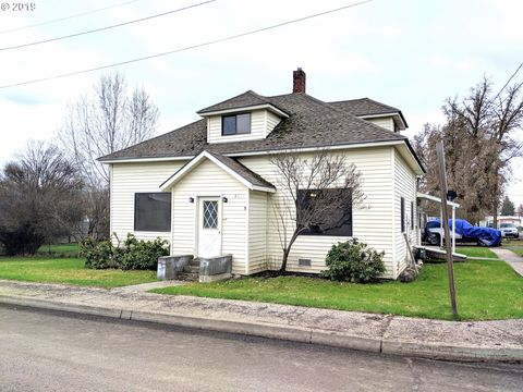 Photo of 590 Albany St, Elgin, OR 97827