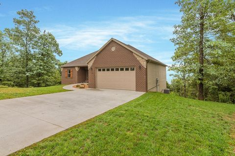 Photo of 1290 Emory Creek Blvd, Branson, MO 65616