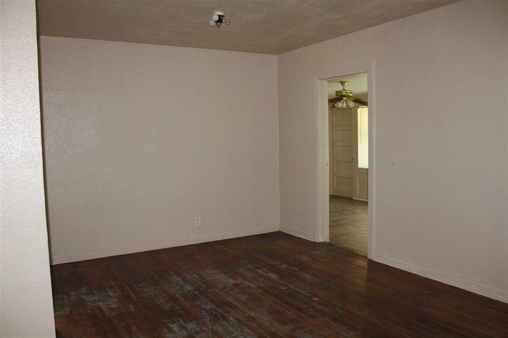 2 W Lutcher Ave, Orange, TX 77630