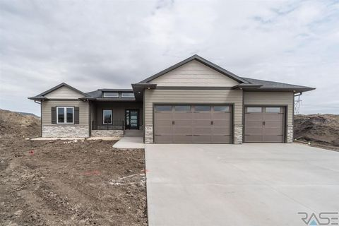 Photo of 304 S Sunshine Ave, Brandon, SD 57005