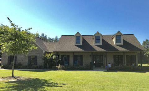 60038 Whispering Pines Dr, Smithville, MS 38870
