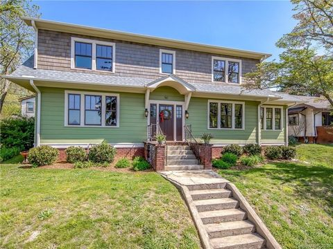 Photo of 50 Arden Rd, Asheville, NC 28803