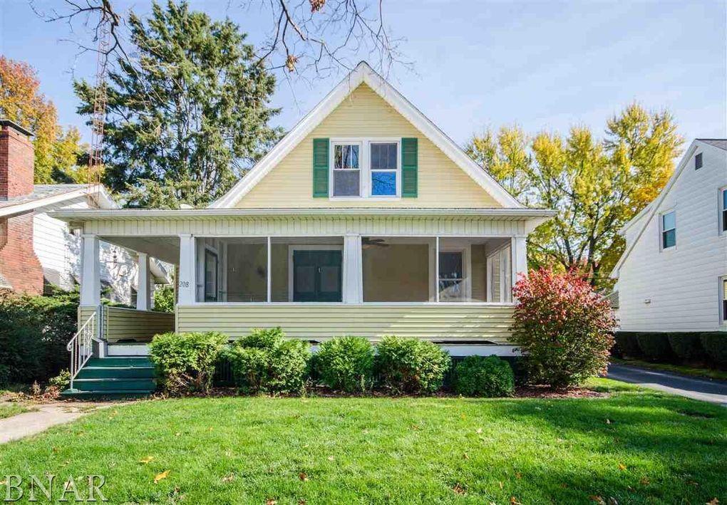 208 Willard Ave, Bloomington, IL 61701
