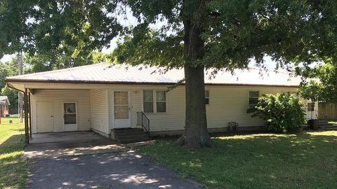 510 N Wood St, Erie, KS 66733